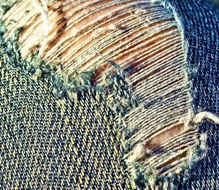 imagen de pantalón deshilachado