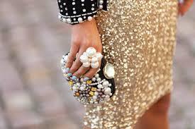 imagen de un bolso joya y falda glitter