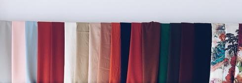 imagen de tejidos lisos y estampados