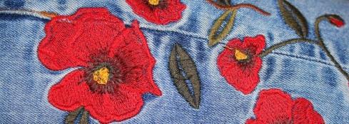 bordado sobre pantalón denim